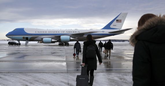 Trump heads to farm convention after Air Force 1 delay