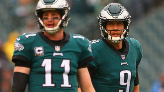 As Eagles stick with Carson Wentz, they still need Nick Foles