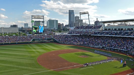 College World Series weather: Louisville vs. Auburn delayed by rain in fifth; is night game in jeopardy?