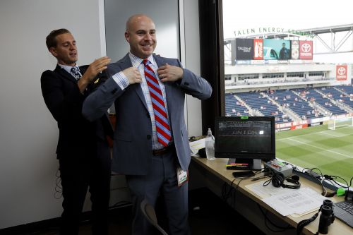 US team's absence doesn't spoil World Cup for FOX soccer voice