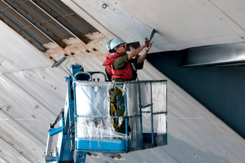 Lasers could replace sailors in peeling old paint off ships