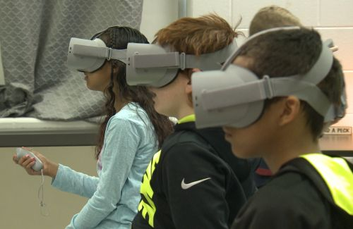 Cochran elementary introduces Kentucky's first-ever virtual reality lab