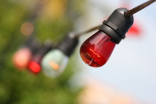 How to hang Christmas lights without all the stress