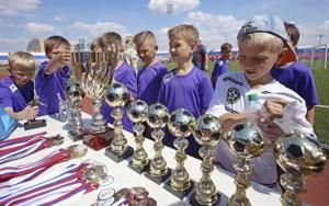 Hard road to World Cup dream for young Russian players