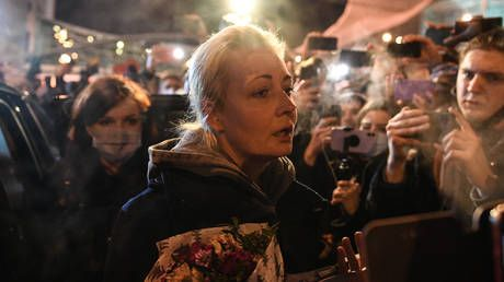 Wife of jailed opposition activist Alexey Navalny arrested while protesting for his release in Moscow