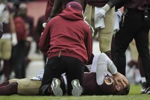 Redskins lose Smith for season to broken leg; Mariota hurt