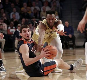 No. 2 Virginia shuts down Georgia Tech, wins 9th straight