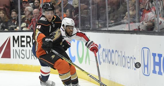 Washington Capitals put playoff hero Smith-Pelly on waivers