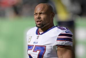 Alexander re-signs with Bills for what he calls final season