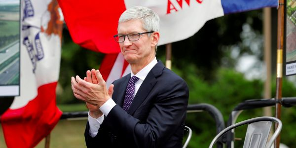 Apple says it's building a new campus and will hire 20,000 new employees