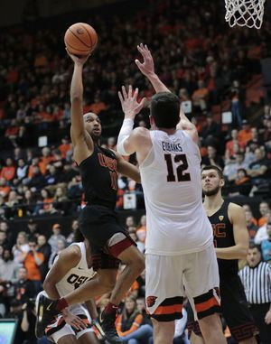 USC wins 4th straight with 74-67 victory over Oregon State