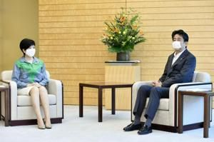 Tokyo governor, Abe say they'll cooperate on virus, Olympics