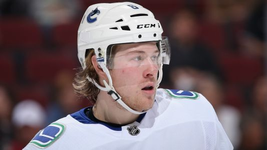 Canucks sign Brock Boeser to three-year, $17.625 million extension