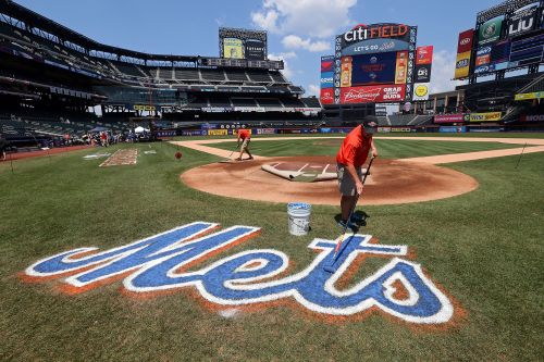 Minority owners said ready to sell 10 percent stake in NY Mets
