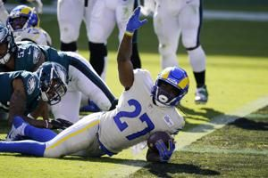 Henderson willing to carry LA Rams with fellow RBs hurting