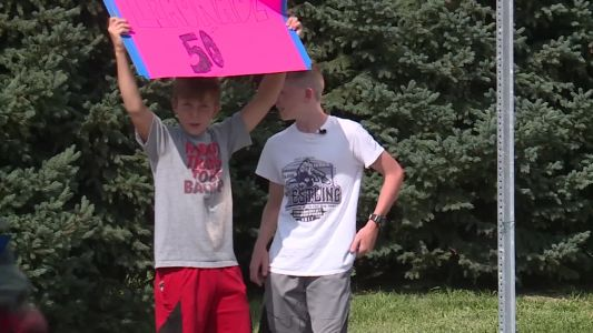 Omaha police bring business to lemonade stand after bullies steal from 12-year-old