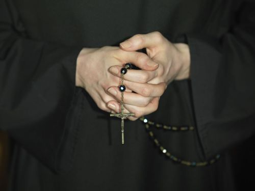 Report: Nuns allegedly embezzled $500K from Catholic school, spent cash gambling
