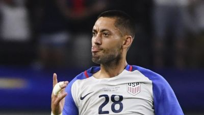 Clint Dempsey ties U.S. record for career goals in international matches