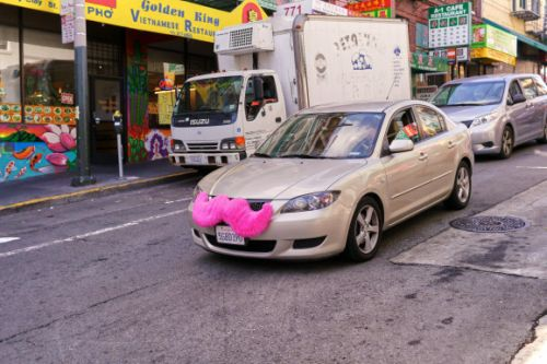 Lyft extends education benefit to drivers