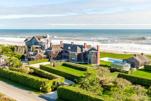 Rich New Yorkers are buying up multiple Hamptons quarantine mansions