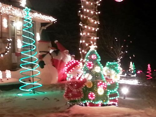 Holiday lights displays: Where, when you can see them