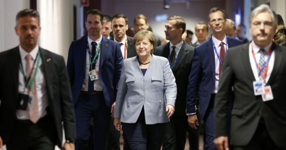 Defying Trump, EU leaders commit to Iran nuclear accord