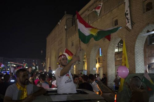 Iranian Kurds rally in support of Iraqi Kurdish referendum