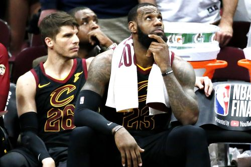 Cavaliers officially begin their finger-crossing over LeBron
