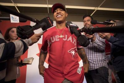 Toronto Blue Jays unveil red uniforms for Canada's 150th anniversary