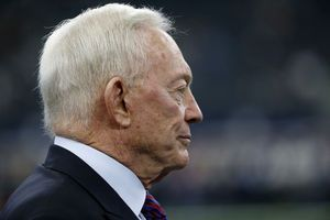 Cowboys' Jerry Jones backs off on Goodell, backs Garrett