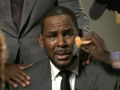 R. Kelly asked a judge for permission to play concerts in Dubai and meet the royal family while he's awaiting trial