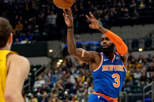 Knicks' shooting is downright embarrassing as a game gets away