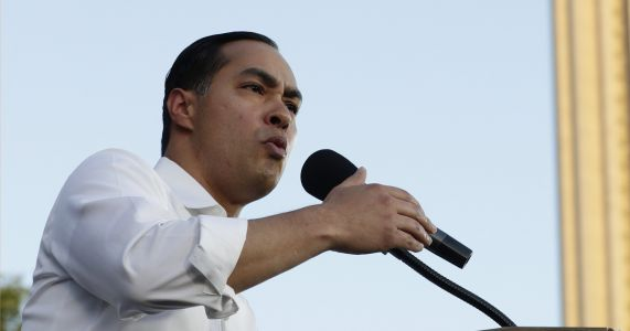 Julián Castro is finally running but fighting to get noticed
