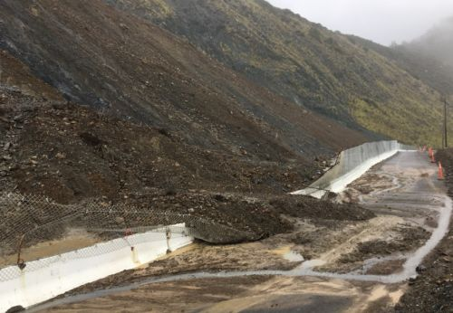 Crews cleaning up mudslides on Highway 1 after Wednesday's heavy rain
