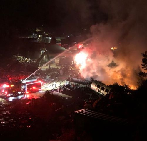 Recycling center fire creates traffic headaches during morning rush