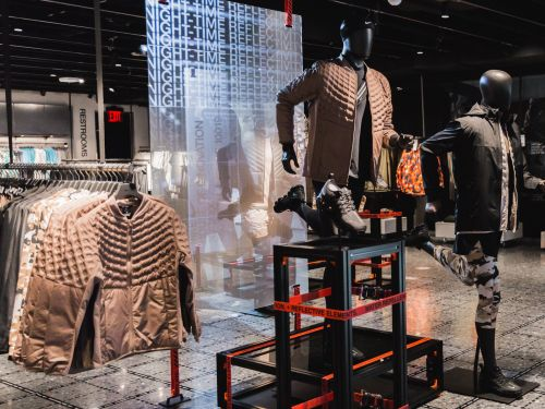 Take a look around Nike's enormous new flagship store in New York City, complete with the world's largest for-sale collection of Nike shoes