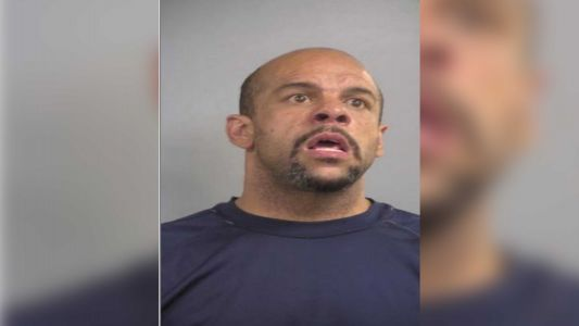 Man arrested at Kentucky McDonald's after allegedly stabbing girlfriend in neck