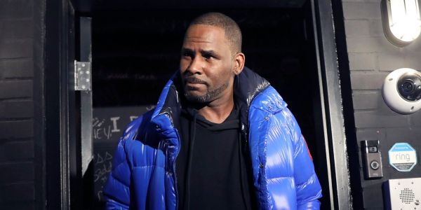 R. Kelly's lawyer says 'I think all the women are lying' as the singer is arrested in Chicago on sexual-abuse charges involving 4 women