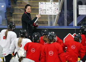 Canada's female coach chasing 5th straight Olympic gold