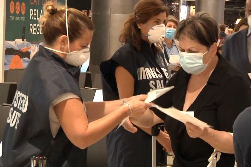 Italian airline offers 'COVID-tested flights' to oversee coronavirus cases