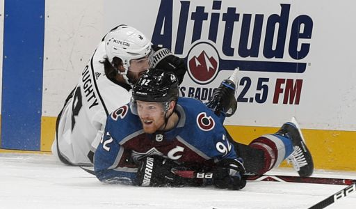 Avs tie franchise record with 6 goals in 2nd, rout Kings 7-1