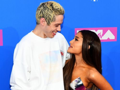 Ariana Grande and Pete Davidson went full-on PDA in their first red carpet appearance together