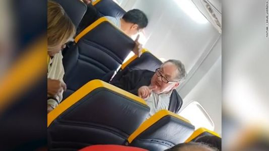 Viral video: Man refuses to sit next to black woman on flight, launches into racist tirade