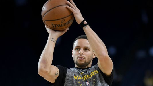 Stephen Curry becomes first player ever to hit eight 3-pointers in three straight games