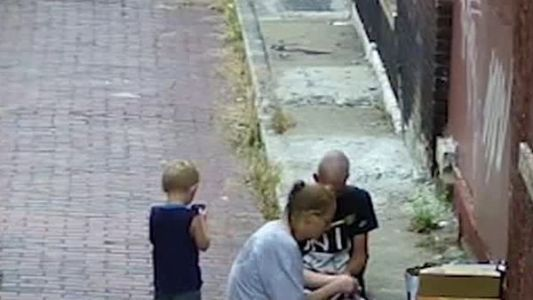 'Gut-wrenching' video shows 4-year-old boy watching mother get high