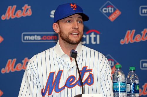Mets acting mysterious regarding Jed Lowrie's sore knee