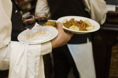 Restaurant group wants Supreme Court to take tipping case