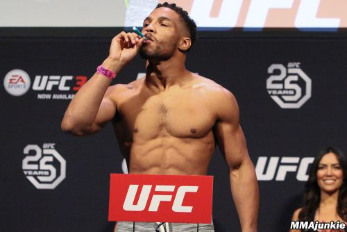 UFC Atlantic City ceremonial weigh-ins video, photos: Kevin Lee gets in holiday spirit