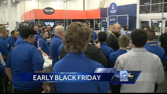 Shoppers take advantage of Thanksgiving Day deals