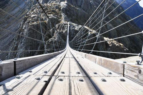 The 18 most terrifying bridges in the world feature steep slopes and stomach-churning heights - take a look